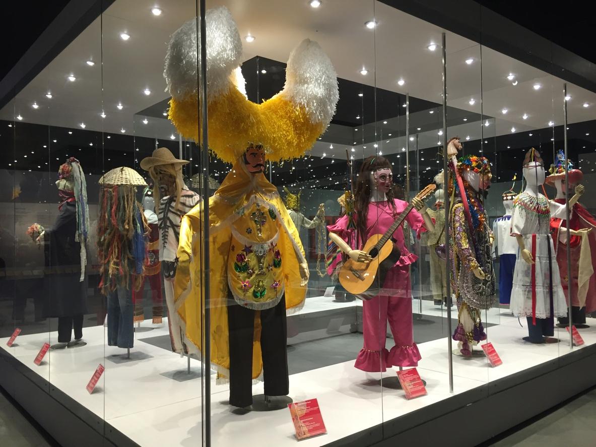 las-diferentes-culturas-de-mexico-representadas-en-sus-trajes-tipicos