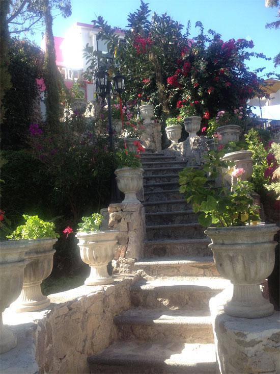 entrada-hotel-boutique-casa-bugambilias