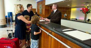 Recepcionista de hotel (2)