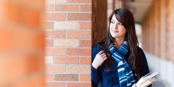 estudiante-de-turismo-guapa