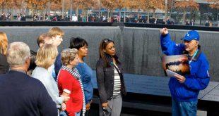 Guía-de-turistas-en-el-memorial-9-11_2