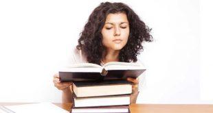 estudiante-con-libros-en-las-manos2