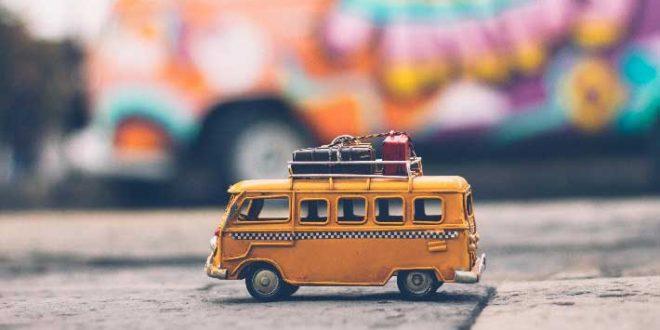 Autobus-en-miniatura-de-viaje