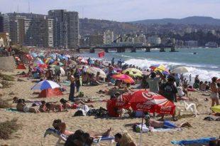 Turistas-en-playa