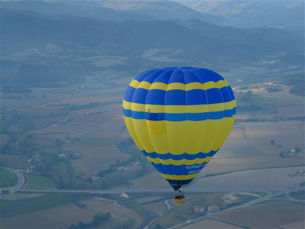 Turismo de Aventura: actividades por aire - Entorno Turístico