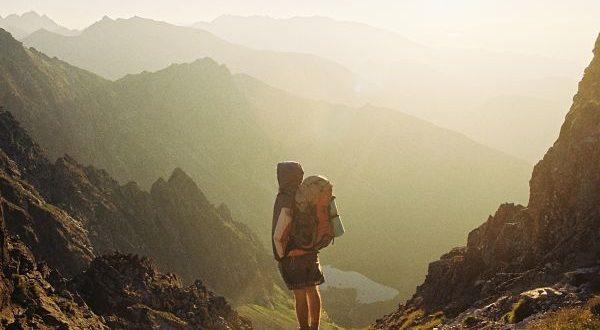 qué motiva a viajar a las personas