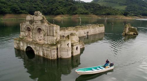 Templo-de-Quechula,-Chiapas