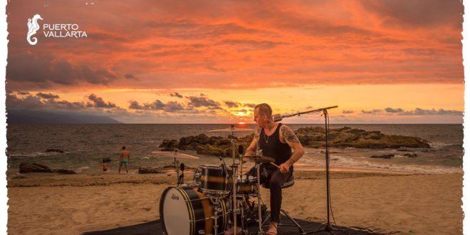 puerto-vallarta-y-el-rockero-randy-ebright