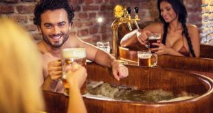 relax_in_oak_tubs_2_pivni_lazne_spa_beerland_prague