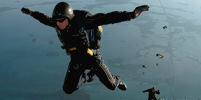 salto-libre-en-el-aire