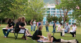 estudiantes-en-campus-de-estados-unidos