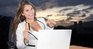 mujer-comprando-por-internet