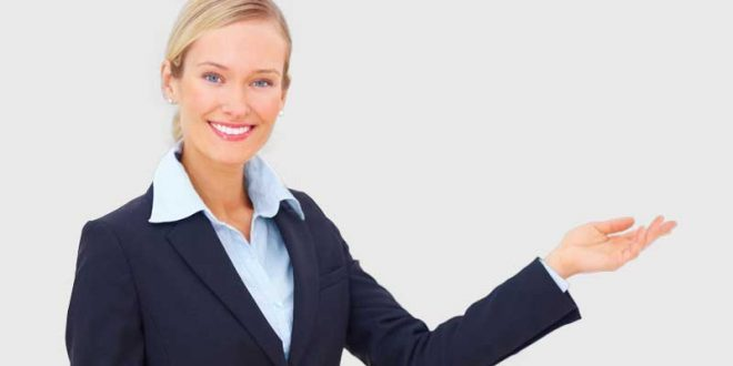 Mujer-en-servicio-al-cliente