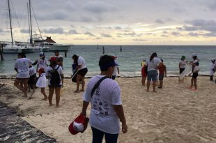 Limpieza de playas en Cancún