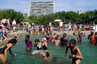 Inauguran zona para bañarse en el río sena