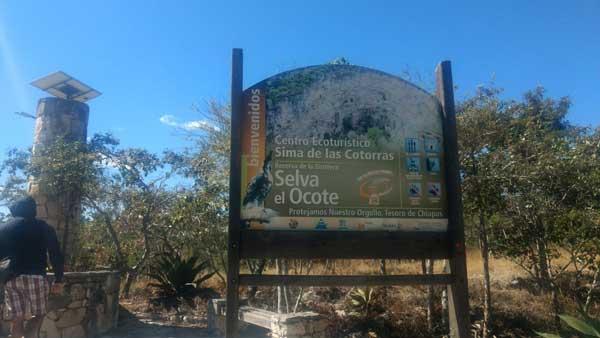 Letrero-de-bienvenida-al-Centro-ecoturístico-Sima-de-las-Cotorras