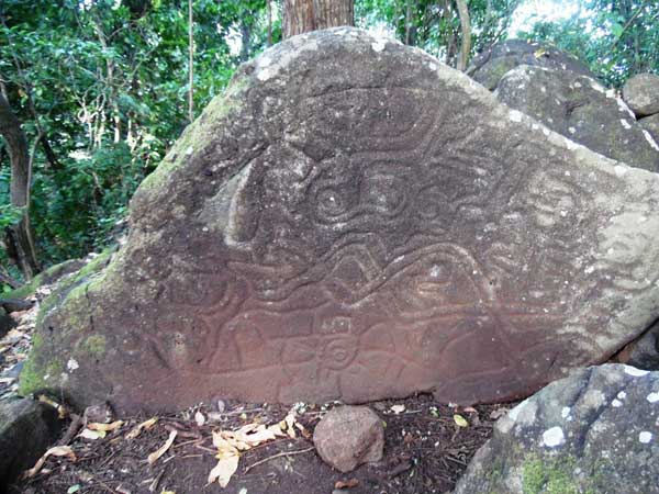 Petroglifos-en-Finca-Magdalena
