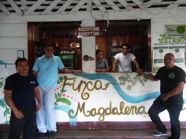 Trabajadores-en-Finca-Magdalena