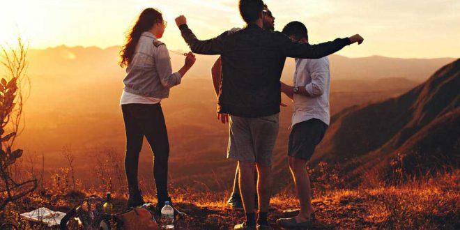 Jovenes en la montaña