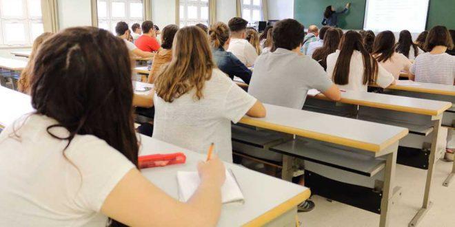 alumnos y maestro