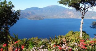 Lago Coatepeque desde Restaurante