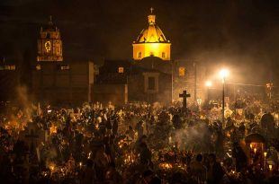 Celebracion de muertos en San Andrés Mixquic