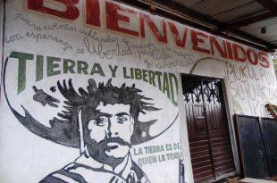 Mural en la entrada al Caracol Morelia