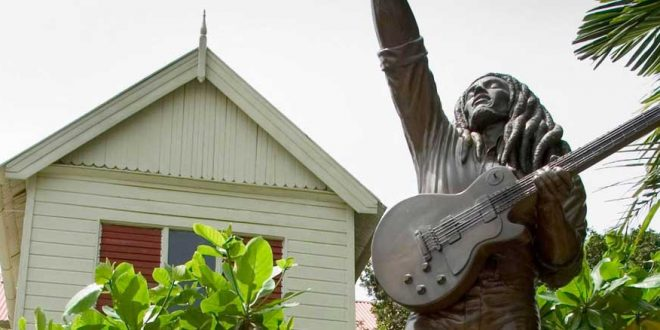 estatua museo bob marley