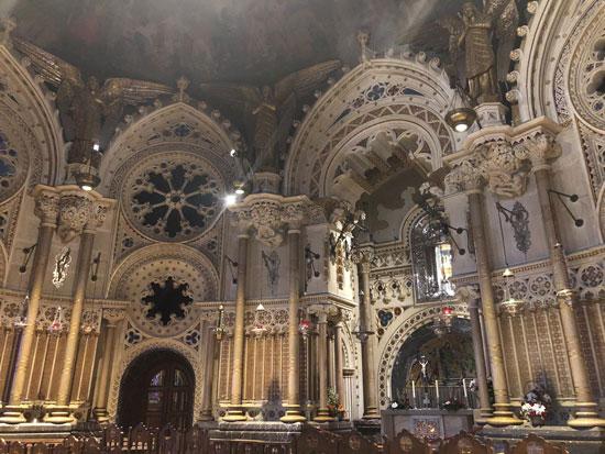 Interior Monasterio e Montserrat