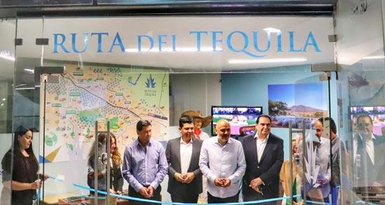 Corte del listón de las oficinas de la Ruta del Tequila
