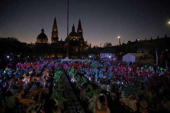 gente en el récord de la cata de tequila más grande del mundo