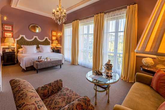 Villa Padierna Palace habitación deluxe