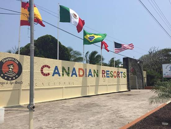 HOTEL CANADIAN RESORTS