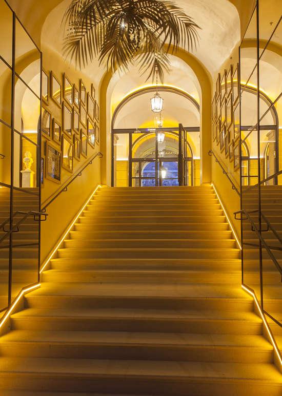 Hotel Pestana Escalera Patio