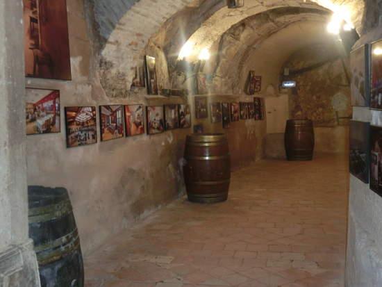 Bodega subterránea del Restaurante El Lagar de Isilla