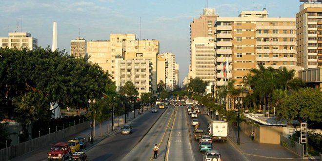 Bulevar Nueve de Octubre en Guayaquil, Ecuador