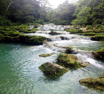 Caídas de agua reserva montes de oca 2