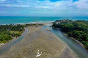 Playa de Portete en el cantón Muisne