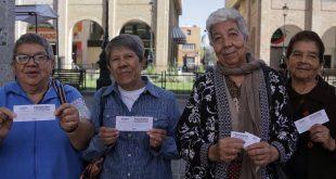 adultos mayores en Sectur Jalisco