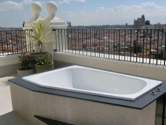 jacuzzi suite Hotel Riu Plaza Madrid