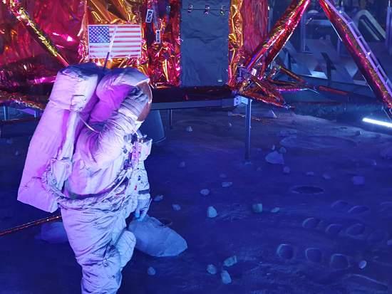 astronauta luna KSC
