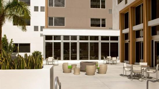 element patio 2
