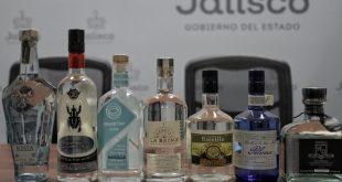Botellas de Raicilla