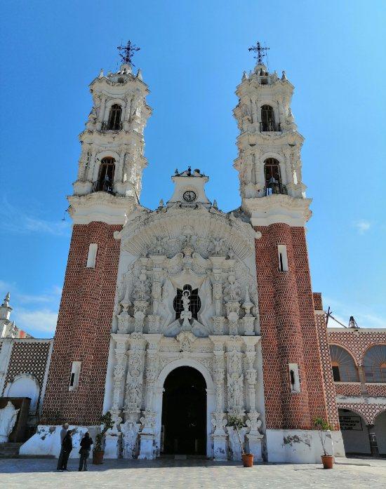 Basílica de Ocotlán por fuera