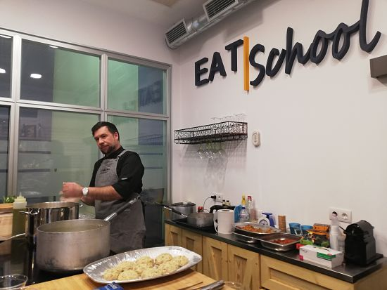 Eat School