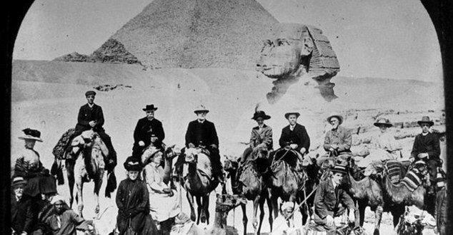 Primeros Turistas a Egipto