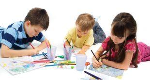niños mexicanos pintando