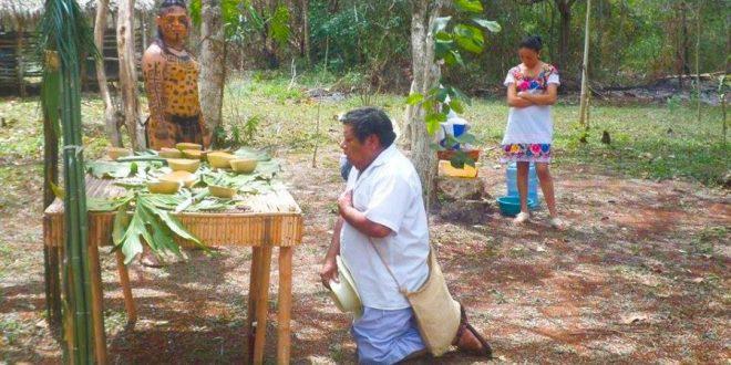 Ceremonia a la Madre Tierra, Ek Balam, Yucatán