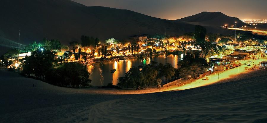 Laguna Huacachina de noche