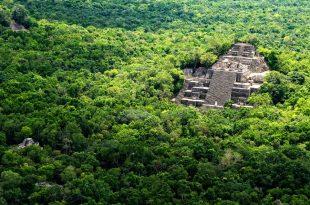 Zona arqueólogica de Calkmul en Campeche